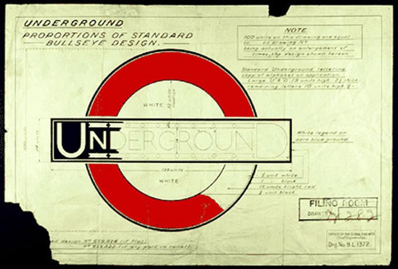 La Gill Sans está basada en la tipografía Johnston Underground que diseñó Edwards Johnson para el Metro de Londres