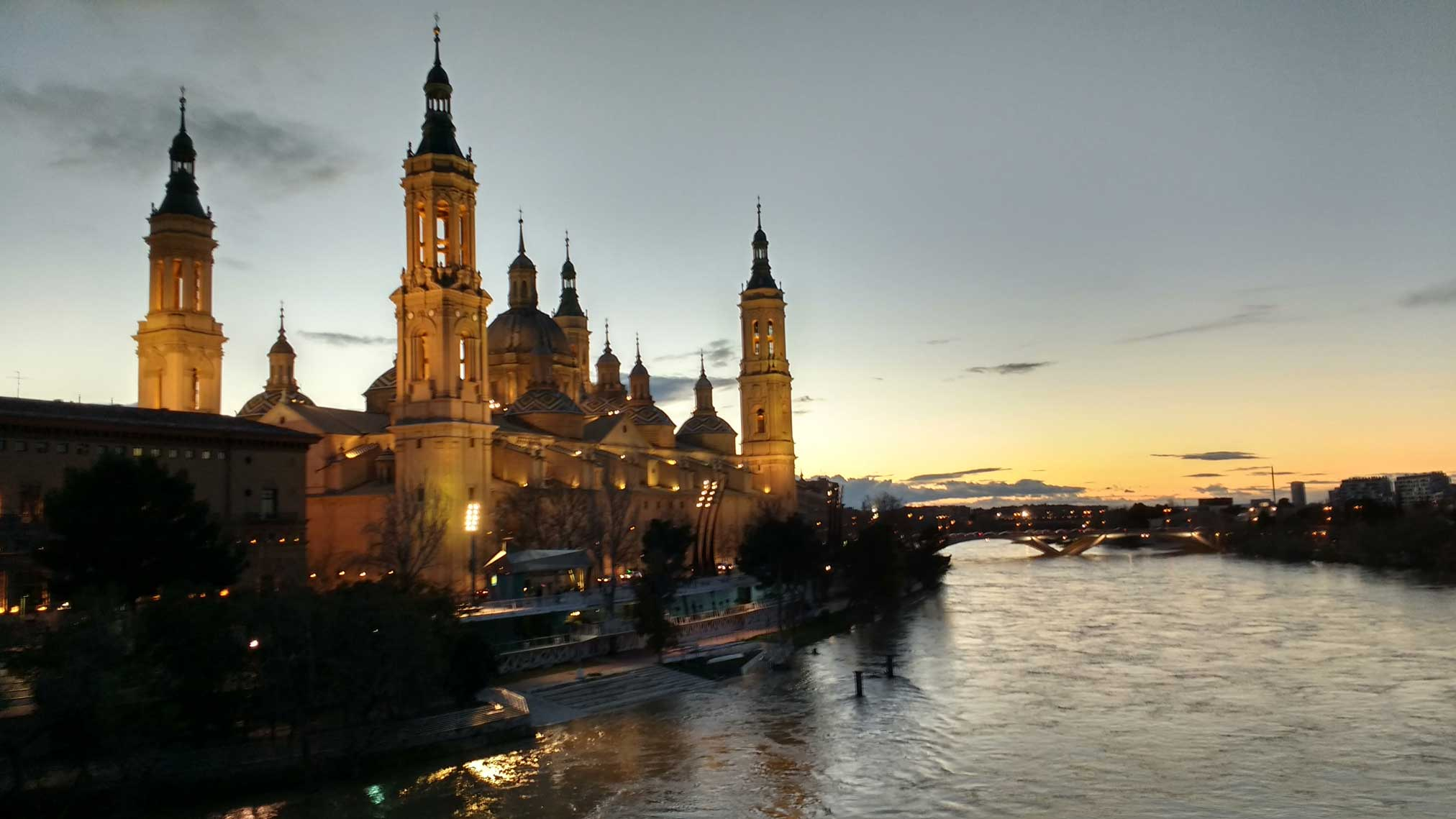 Basilica of our lady of the pilar at night in Zaragoza.