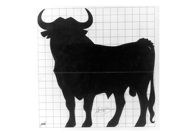 Manolo Prieto fue el diseñador de la famosa silueta del toro de Osborne