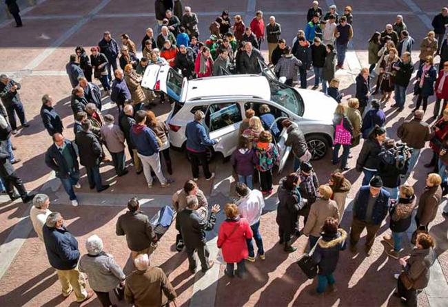 Los vecinos del municipio de Ateca tuvieron la oportunidad de conocer el nuevo automóvil de la marca Seat