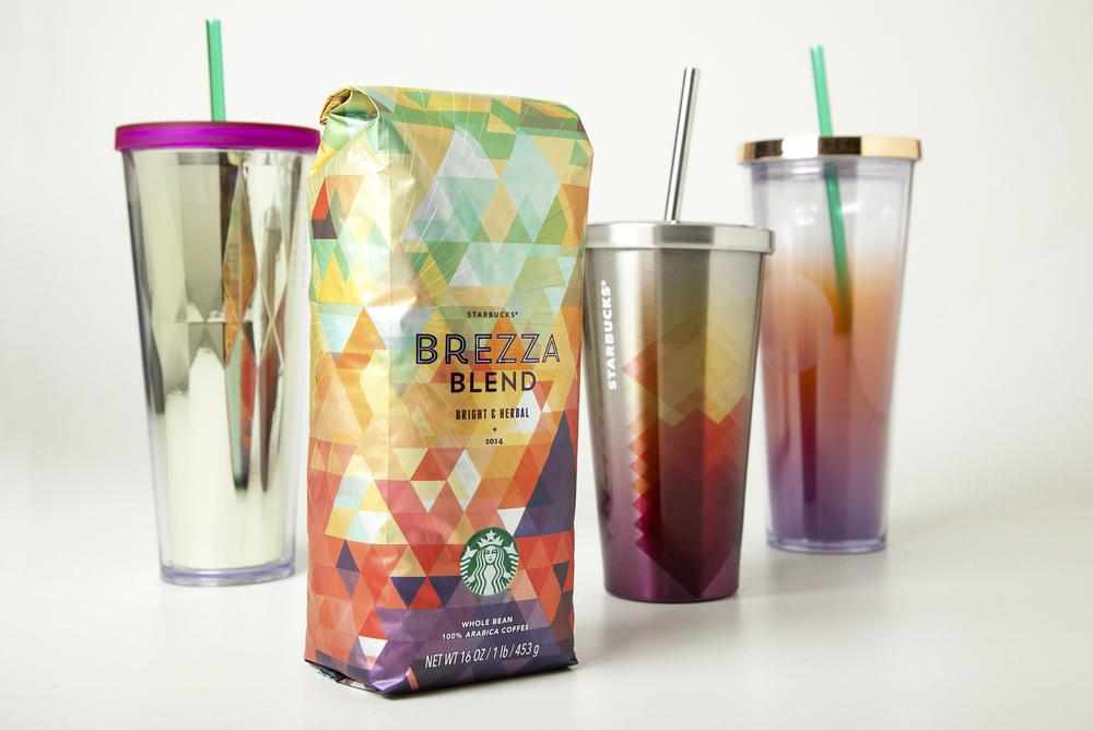 Starbucks lanzó en 2014 un nuevo aroma de café al que acompañó un diseño geométrico y colorido