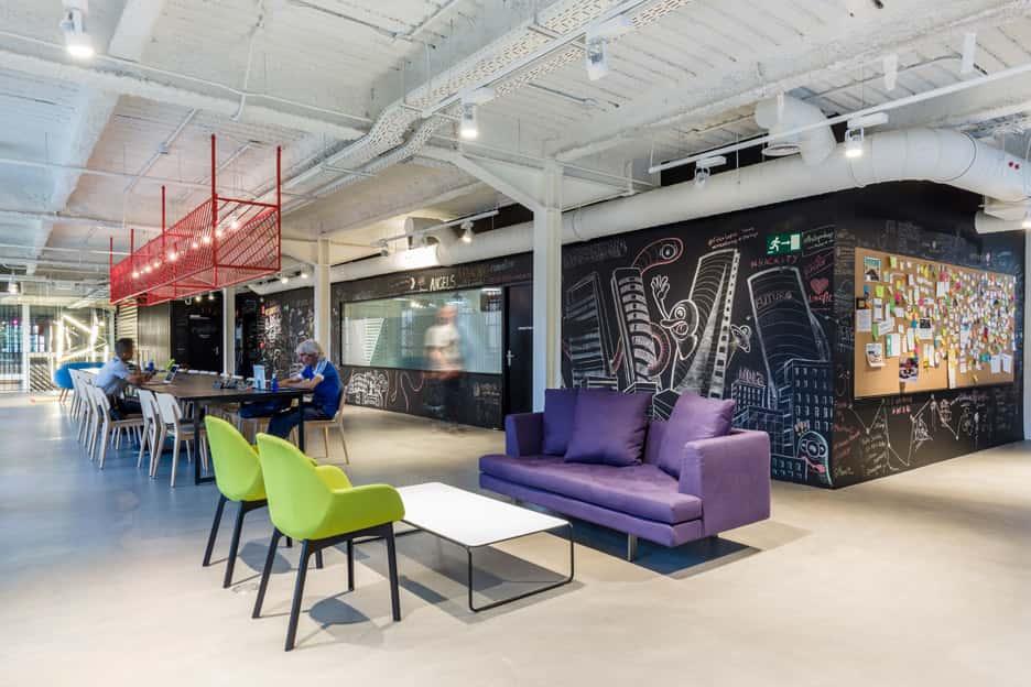 Diseño de espacios de trabajadores en el Google Campus de Madrid.